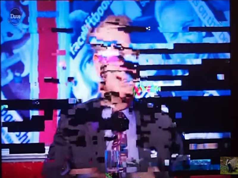 замирает изображение на телевизоре